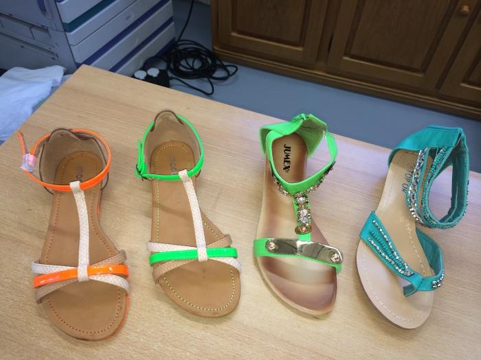 Partij Tassen Te Koop : Partij nieuwe slippers te koop partijhandel en